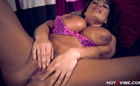 Hot Busty Milf Lisa Ann Orgasming Hard|16,494 views