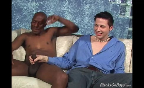 White guy sucking black cock like a champ|23,385 views