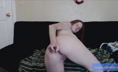 Redhead Plays With Dildo In Her Ass |1,063 views