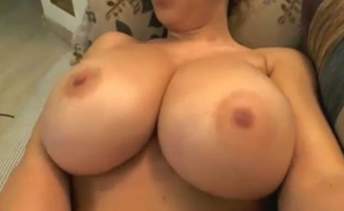 Webcam big natural tits DollMorena|29,968 views
