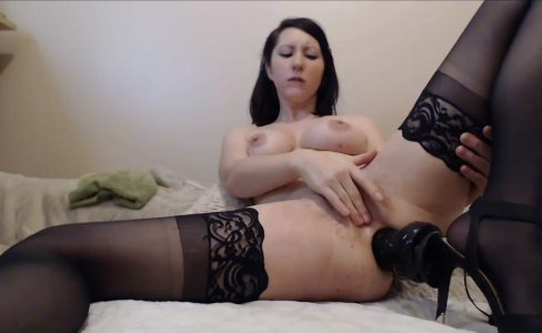 Milf squirting from double penetration|6,982 views