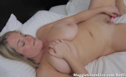 Busty Babe Maggie Greens Cums with Toy!|2,633 views