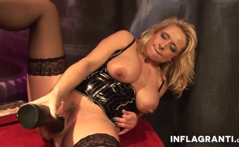 INFLAGRANTI German Mature Dominatrix|30,502 views