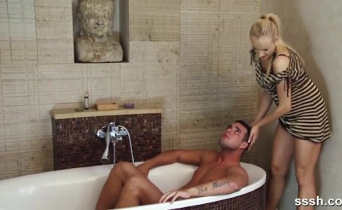 Naughty Blonde teases her man in the bath|27,349 views