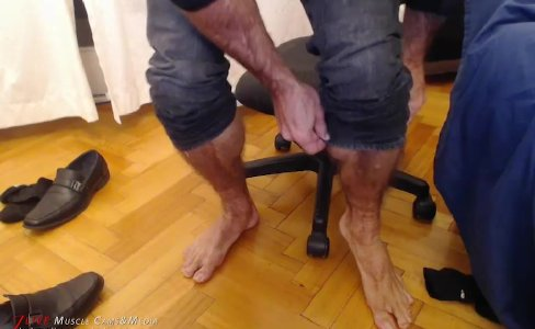 Muscle Feet Foot Fetish|7,309 views