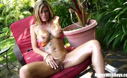 Oiled-Up Photoshoot Creampie Kristal Summers|68,145 views