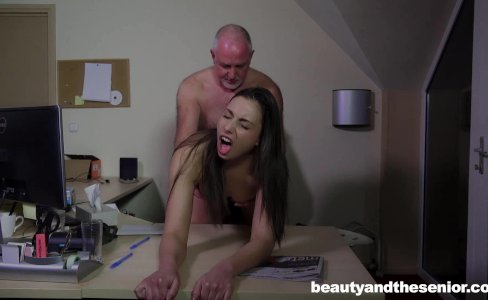 Teen Carla gets fucked and facialied|68,986 views
