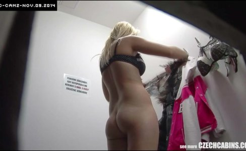 Young Blonde Girl Cought on Security Camera|27,030 views