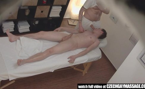 Horny youngster fucking with the masseur|62,751 views