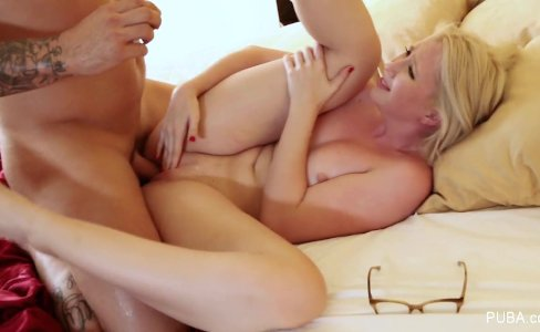 Blonde Samantha Rone bangs Derrick Pierce|11,993 views