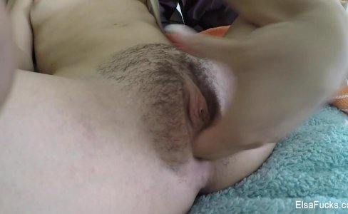 Tiny babe Elsa Jean fingers her hairy pussy|48,870 views