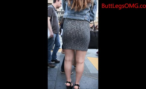 Miniskirt big butt Candid|764 views
