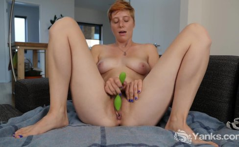 Redhead Aurora Toying Her Snatch|12,085 views