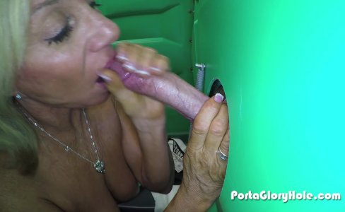 Porta Gloryhole Mature lady sucks cock in por|56,879 views