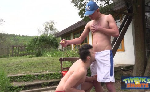 Hung twinks play wet outdoors|7,771 views
