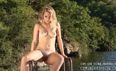 Hot Young Blonde On The Beach|1,114 views