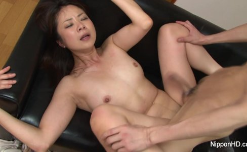 MILF gets fucked while her friend tapes it|147,209 views