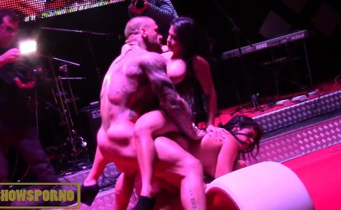 Bigbutt latin pornstars threesome on stage|2,275 views