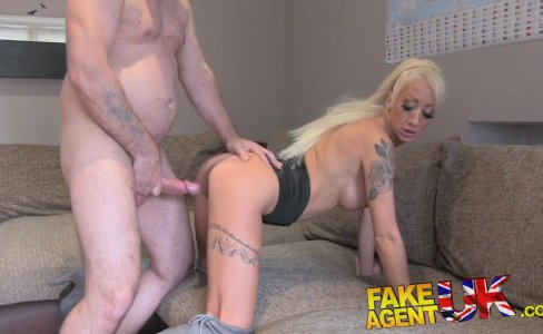 FakeAgentUK Petite blonde UK escort|29,275 views