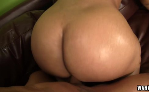 Ebony Hottie Carmen Michaels Loves Huge Cocks|895 views