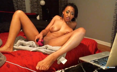 Hot Ebony Babe Loves to Squirt|29,375 views