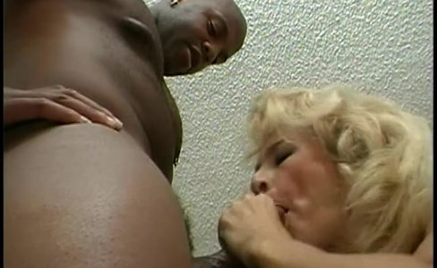 Chubby black guy fits his cock in a nice blonde pussy|17,439 views