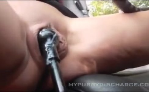 creamy masturbation pussy in Car|43,660 views