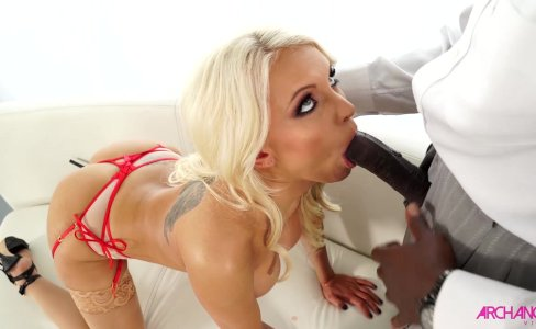 Bigtit blonde Kenzie Taylor sucking black cock|13,530 views