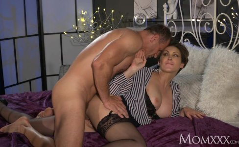 MOM Office woman in stockings wants rock hard cock deep inside her|613,519 views