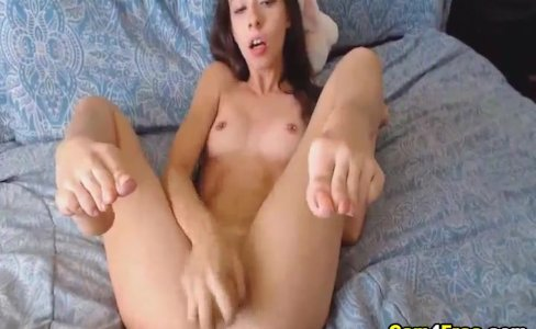 Horny College Webcam Babe Masturbate her Pussy|9,610 views