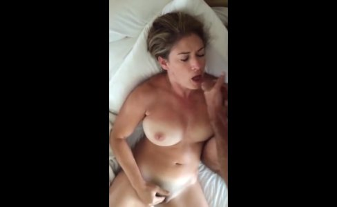 Sucking hubbies dick while fingering my pussy|3,634 views