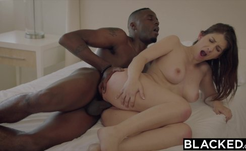 BLACKED Girlfriend Karina White Cheats with BBC on Vacation|99,872 views