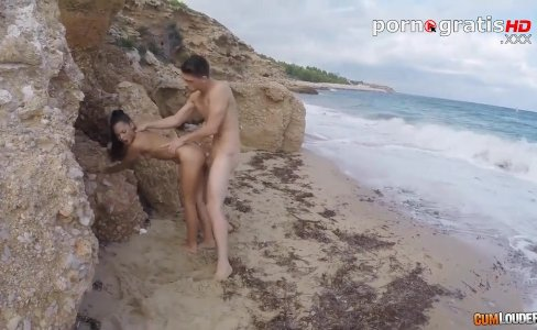 Apolonia Lapiedra fucked on the beach|45,718 views