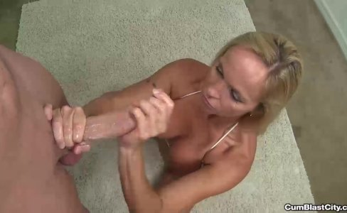 Mature slut wants a cumshot|51,310 views