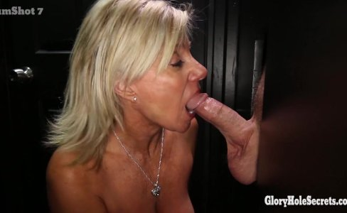 Gloryhole Secrets Mature blonde shows off her years of skill|81,495 views