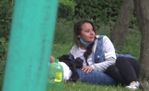 pelada traviesa se lo mama en el parque|1,932 views