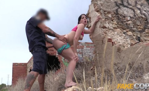 Fake Cop Peachy arsed Spanish babe fucks policeman|31,988 views