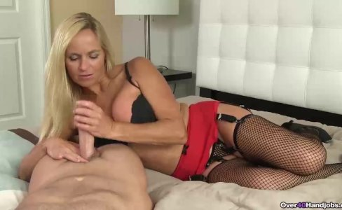 Blonde milf POV jerking off|29,977 views