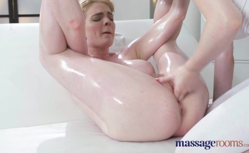 Massage Rooms First time masseuse has orgasmic lesbian sex|60,499 views