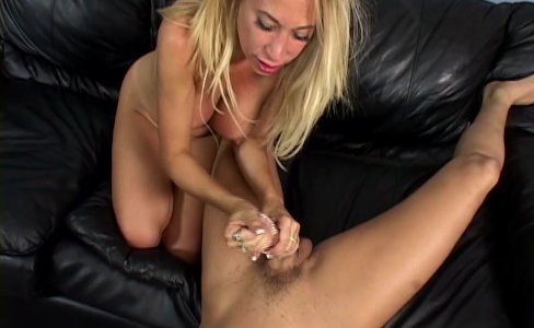 MILF Andrea Jaxxx Meets Up And Fucks A Biker|13,020 views