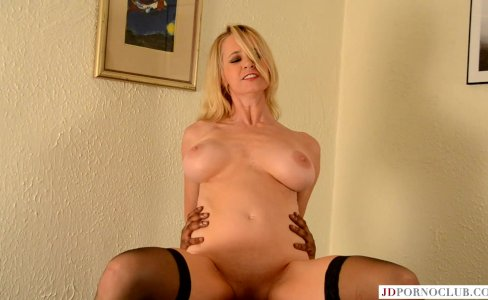 Hot mom Tabitha devours BBC|28,413 views