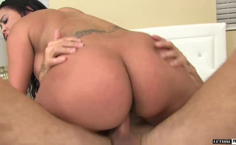 Kimberly Kendal Jumps On Top Of Cock|659 views