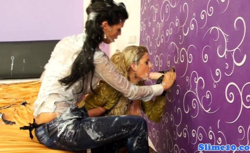 Bukakke lesbos cumcovered at the gloryhole|17,030 views