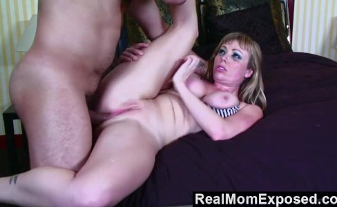 RealMomExposed  Hot tattoo mom gets fucked|12,325 views