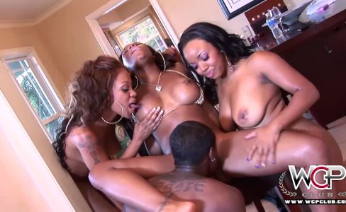 Best Ebony Pornstars all cumming together|48,167 views