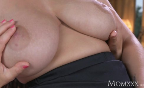 MOM Big natural tits babe face sitting on old|35,411 views