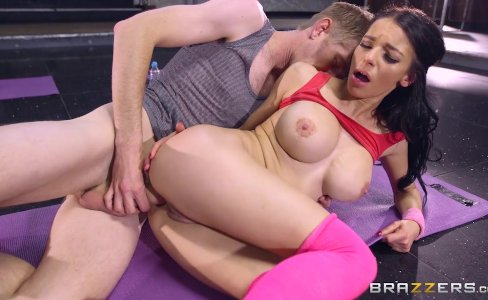 Brazzers - Sophia Laure gets fucked at yoga|145,494 views