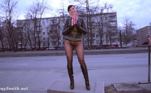 Jeny Smith bottomless pantyhose public walk|20,591 views