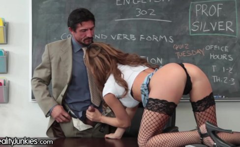 Busty Teen Fucks Teacher and Has Mommy Issues|172,752 views