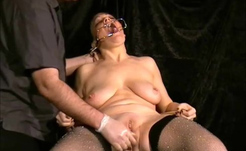 Face punished mature slave Chinas dental gagg|36,203 views